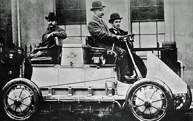 Гибридный автомобиль Порше 1901 года